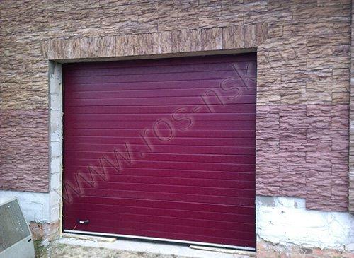 Ворота гаражные секционные DOORHAN - ширина 2900 высота 2700, цвет бордо RAL3005